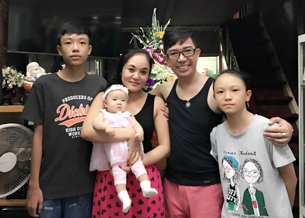 Long Nhat khoe bua com gia dinh-Hinh-6