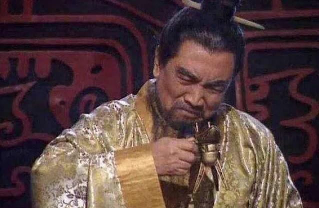 Chung kien 3 nguoi nay chet, Tao Thao khoc rong len