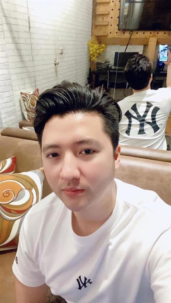 Trong Hung lo ngoai hinh khac la sau nua nam ly hon-Hinh-3