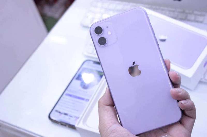 Gia iPhone 11 giam xuong duoi 12 trieu dong-Hinh-3