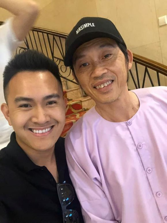 Danh hai Hoai Linh dang anh mac vest banh bao-Hinh-7