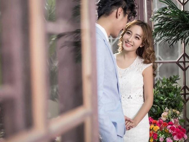 Dan ong thuong cham tay vao bo phan tren co the vo chung to chung tinh