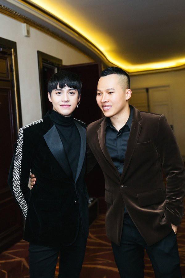 "Song ao va lam mau nhu ""ong bau"" Vu Khac Tiep-Hinh-6"