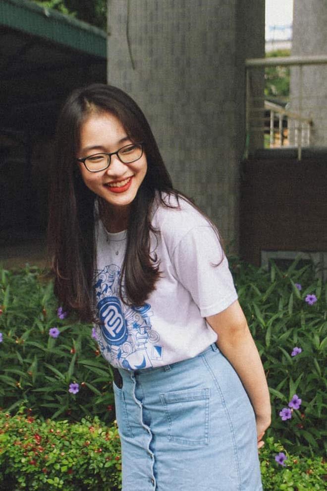 Nu sinh lot xac sau 4 nam gay bao Duong len dinh Olympia-Hinh-6
