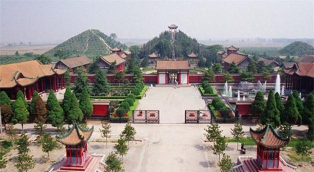 Lang mo hoang de xay trong nua the ky, lang Tan Thuy Hoang thua xa?-Hinh-2