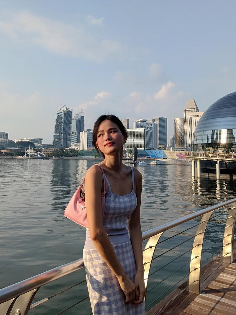 Cuoc song cua Tuyet Lan o Singapore the nao?