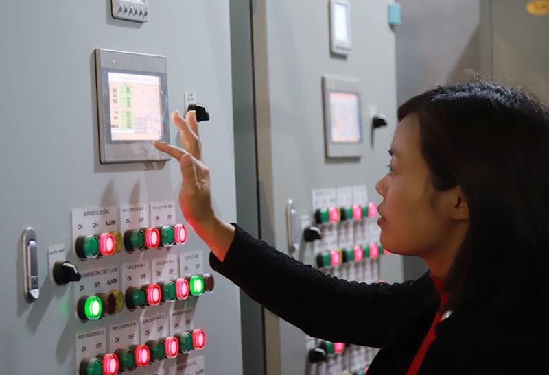 Trong rau bang smartphone, nong dan deu tay thu tien ty-Hinh-3