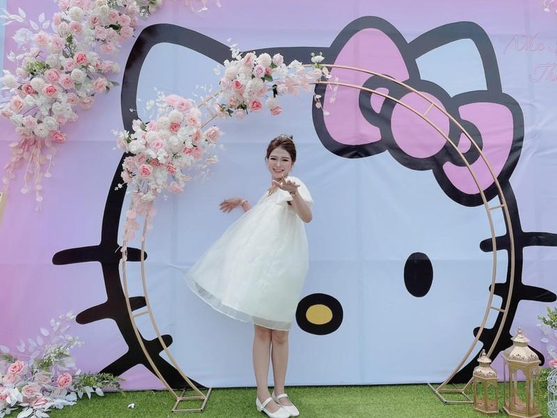 Dam cuoi cua co dau cuong Hello Kitty