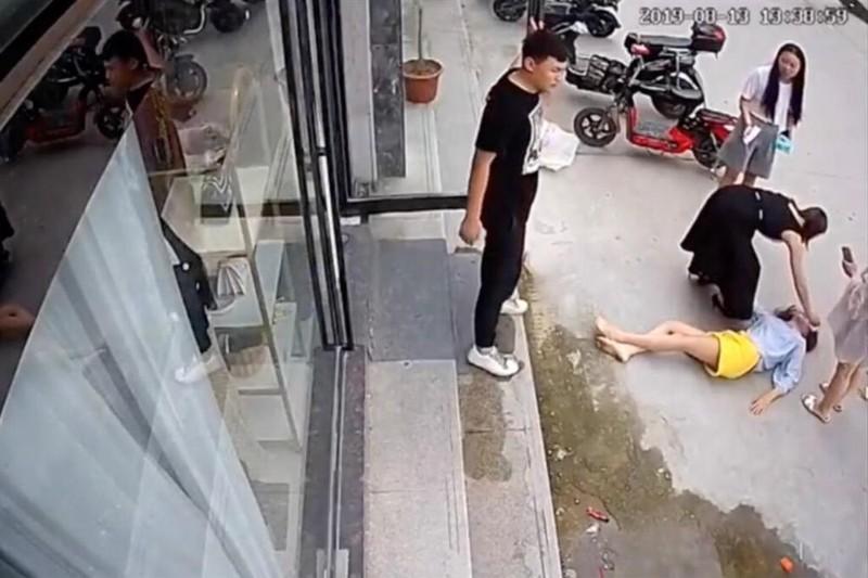 Vu nu vlogger bi chong cu thieu song phoi bay nan bao luc gia dinh-Hinh-3