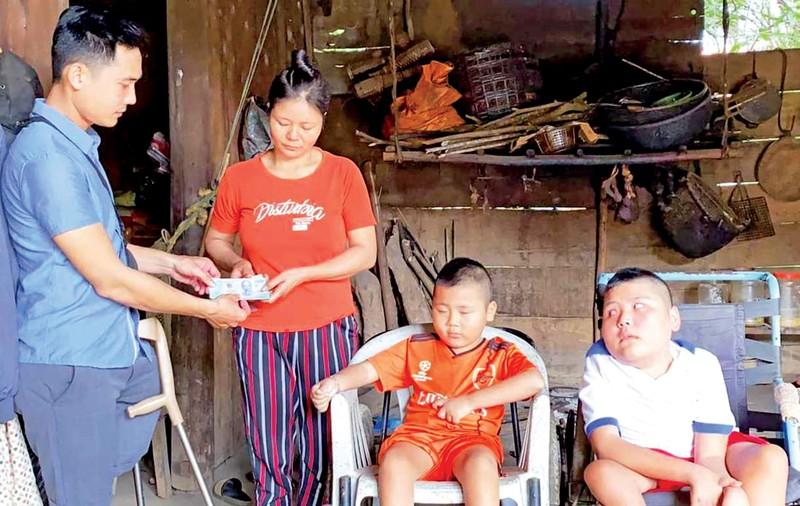 Luong Phi va hanh trinh mot chan-Hinh-2