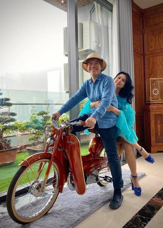 Diva Thanh Lam khoe anh tinh tu ben ban trai bac si