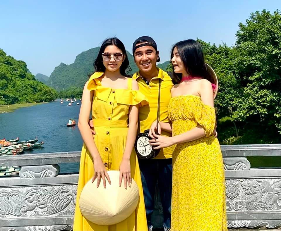 MC Quyen Linh khoe anh hai con gai xinh dep, cao vuot bo-Hinh-2