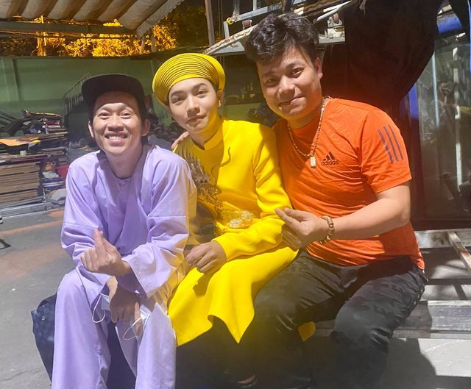 MC Quyen Linh khoe anh hai con gai xinh dep, cao vuot bo-Hinh-9