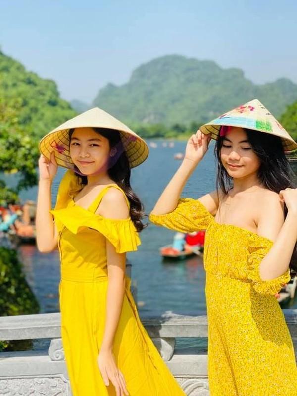 MC Quyen Linh khoe anh hai con gai xinh dep, cao vuot bo