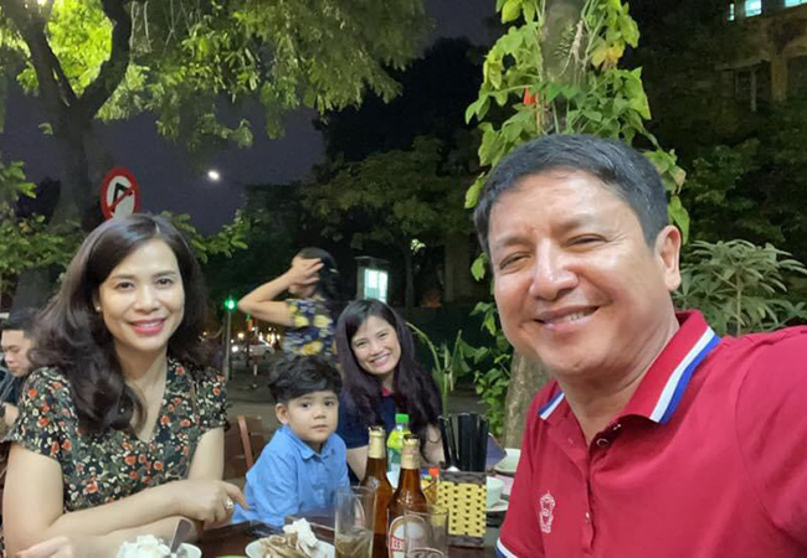 Khoanh khac hanh phuc cua Chi Trung va ban gai kem 17 tuoi-Hinh-3