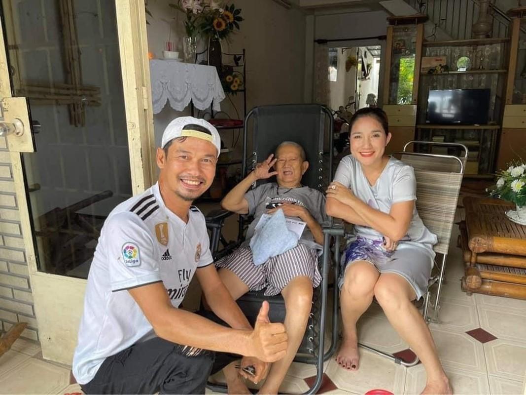 MC Quyen Linh hanh phuc ben vo va 2 con gai cao vuot troi-Hinh-10