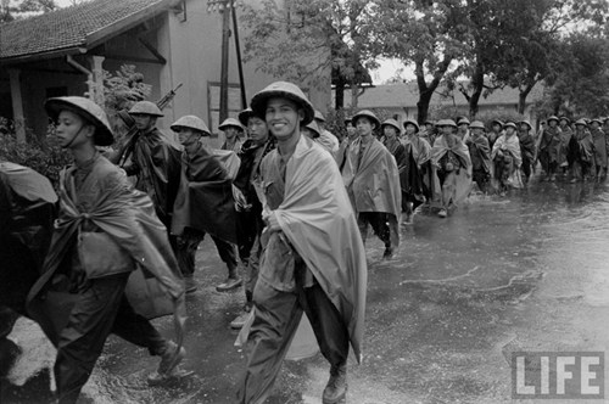 Anh doc: Ha Noi vui nhu hoi ngay giai phong 10/10/1954-Hinh-3