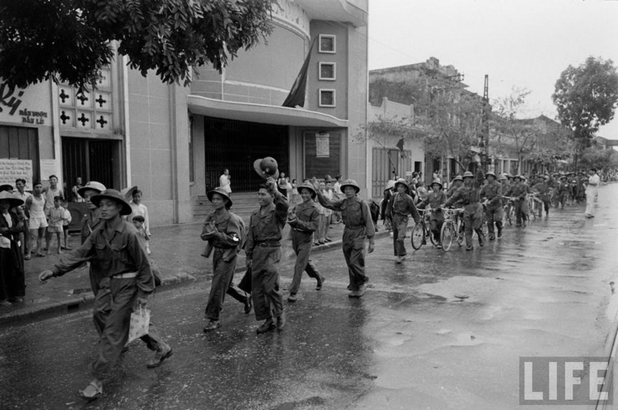 Anh doc: Ha Noi vui nhu hoi ngay giai phong 10/10/1954-Hinh-4