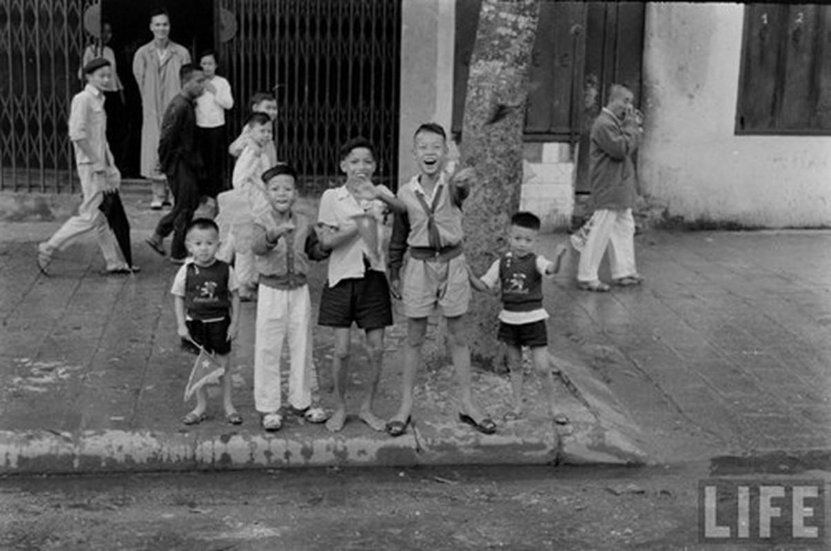 Anh doc: Ha Noi vui nhu hoi ngay giai phong 10/10/1954-Hinh-6