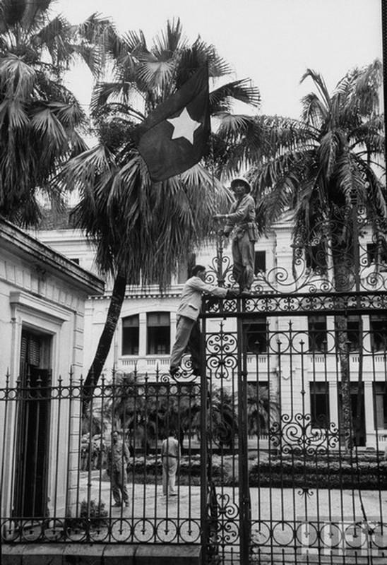Anh doc: Ha Noi vui nhu hoi ngay giai phong 10/10/1954-Hinh-9