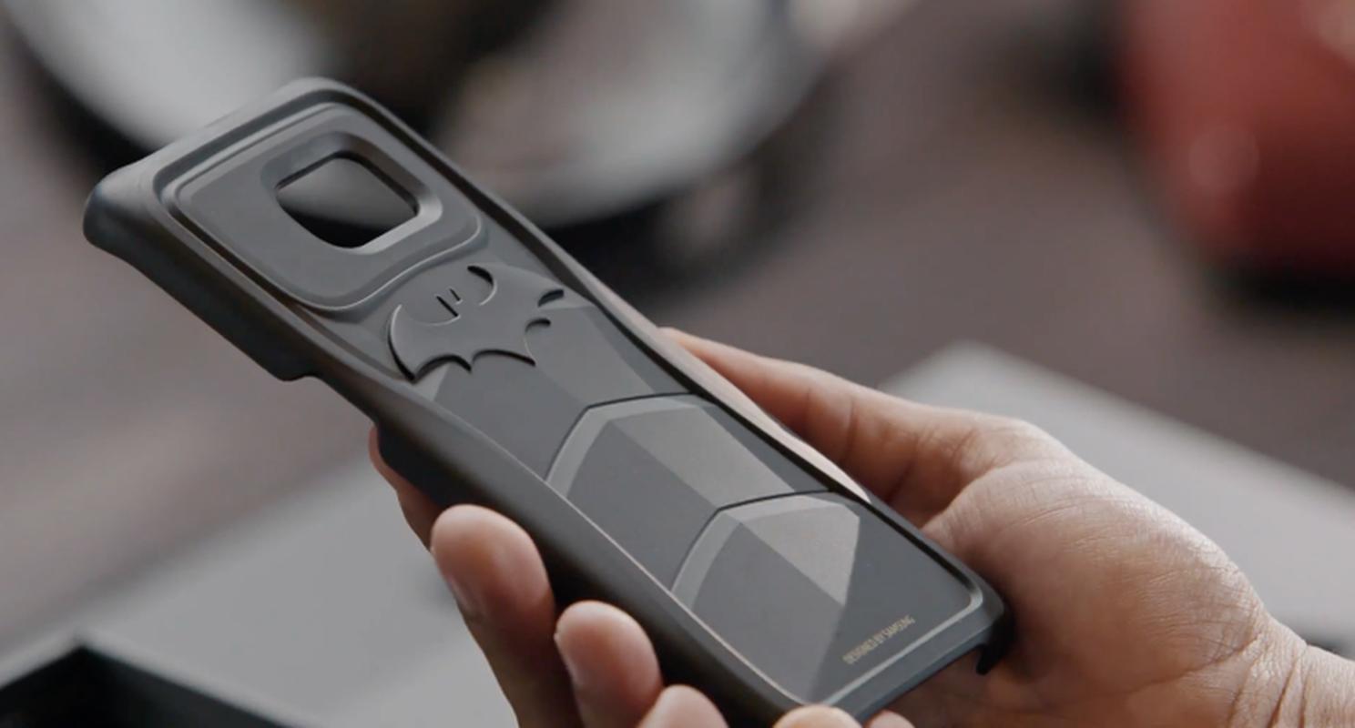 Anh chi tiet dien thoai Samsung Galaxy S7 Edge phien ban Batman-Hinh-3