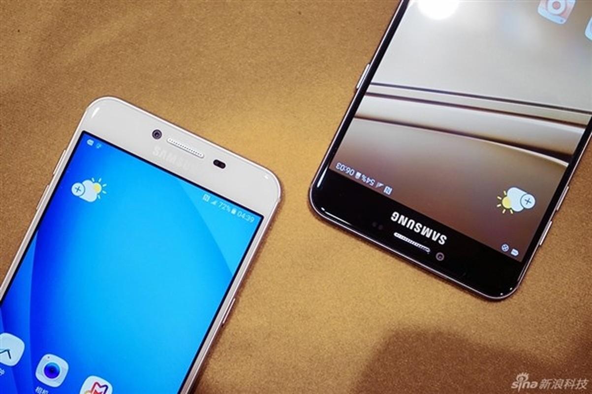 Anh thuc te 2 dien thoai sieu mau Samsung Galaxy C5, C7-Hinh-2