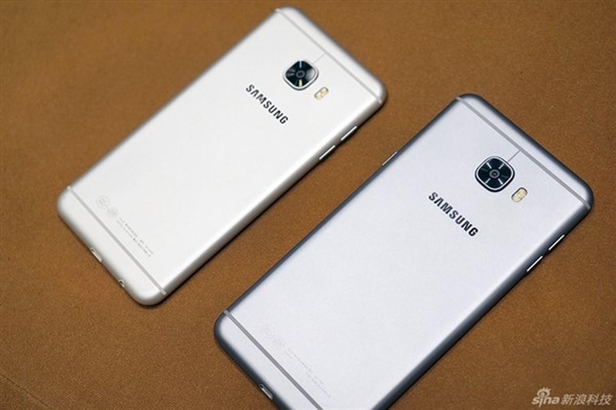 Anh thuc te 2 dien thoai sieu mau Samsung Galaxy C5, C7-Hinh-8