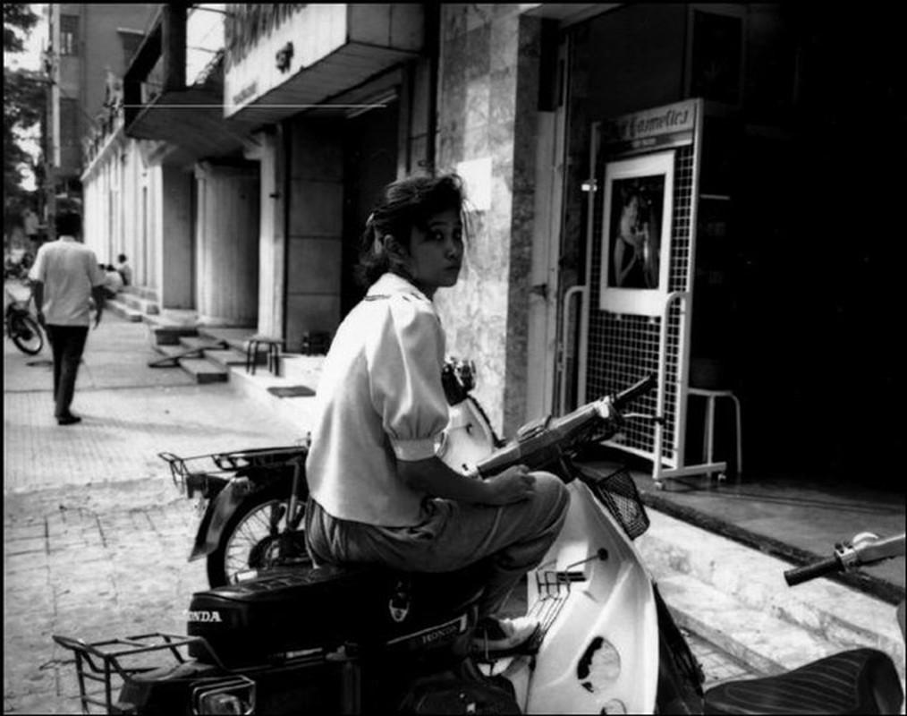 Hinh anh de doi ve phu nu Viet Nam thap nien 1990 (2)-Hinh-5