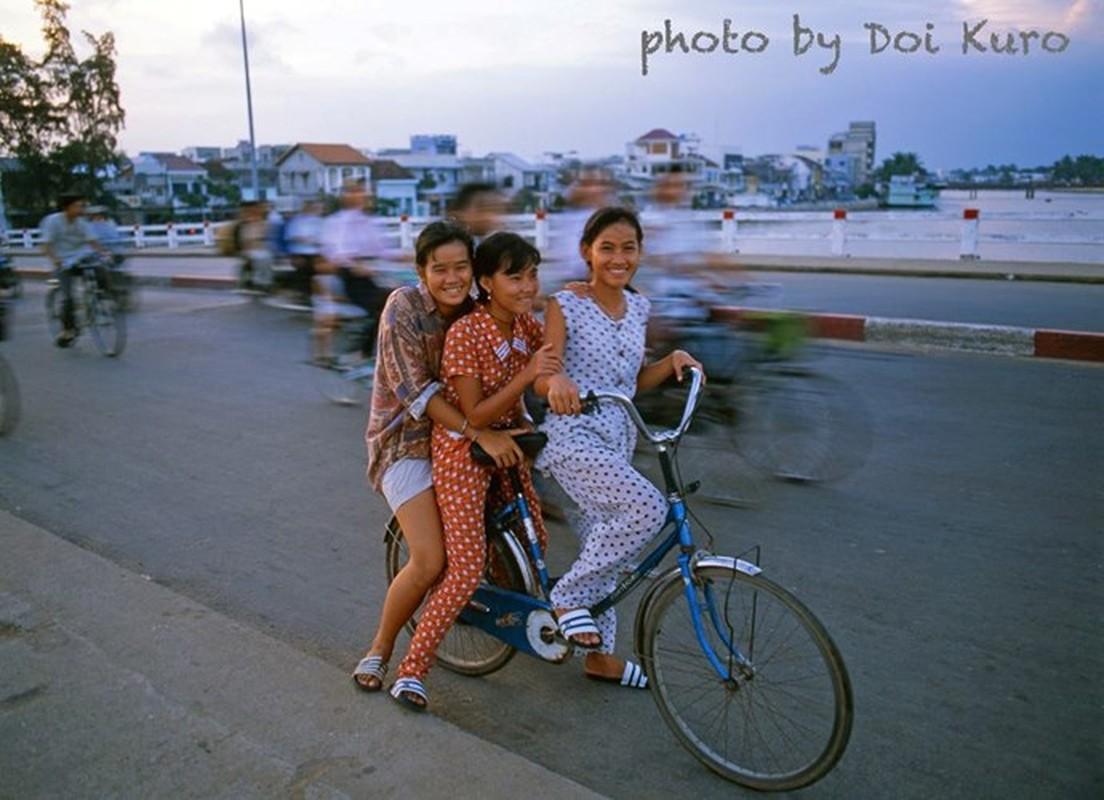 Hinh anh de doi ve phu nu Viet Nam thap nien 1990 (2)-Hinh-9