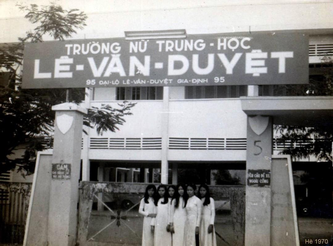 Anh van nguoi me ve nu sinh ao dai Sai Gon xua-Hinh-6