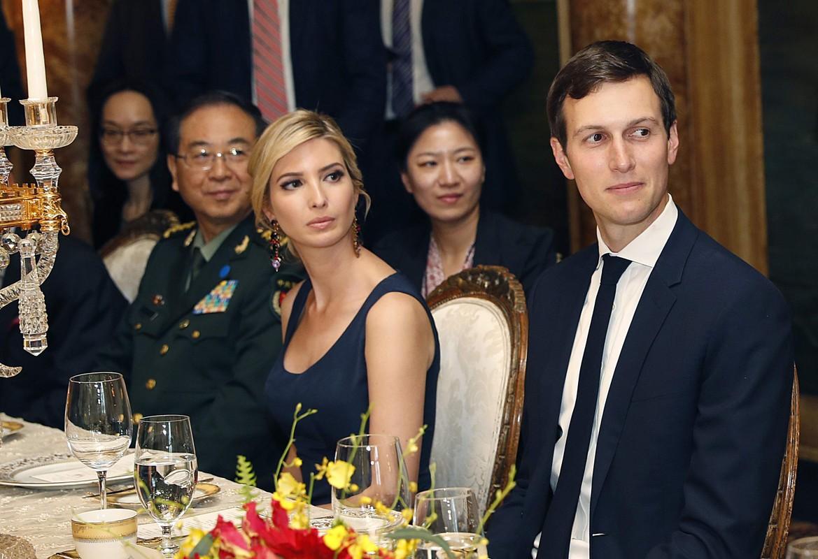 4 nam bo lam tong thong, Ivanka Trump duoc tang qua gi?-Hinh-2