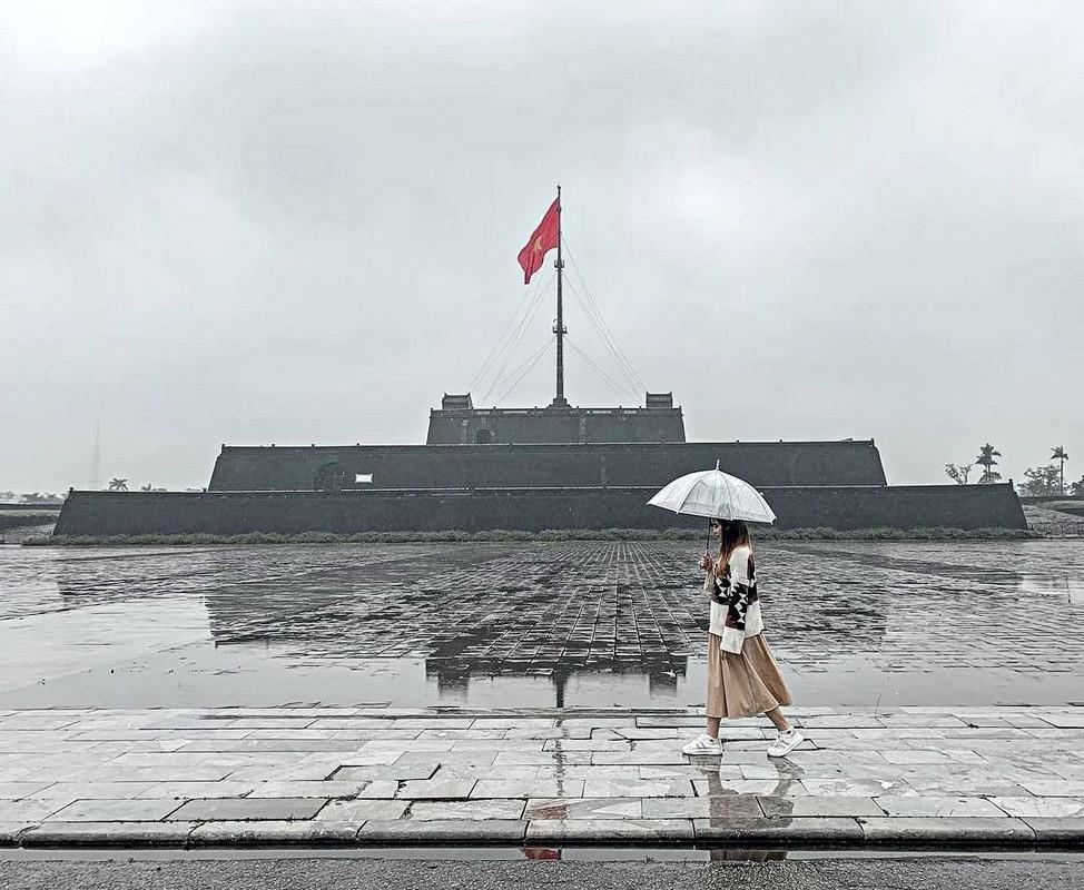 Xuc dong va tu hao 7 cot co noi tieng o Viet Nam-Hinh-5