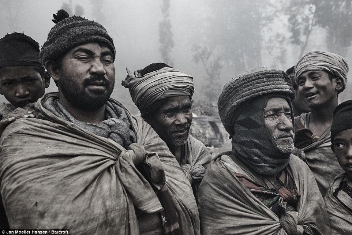 Cuoc song cua bo toc du muc Raute trong rung ram Nepal-Hinh-10