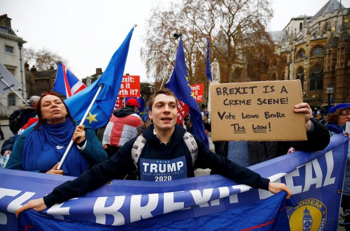 """Dam phan Brexit van """"be tac"""", dan Anh bieu tinh-Hinh-6"""
