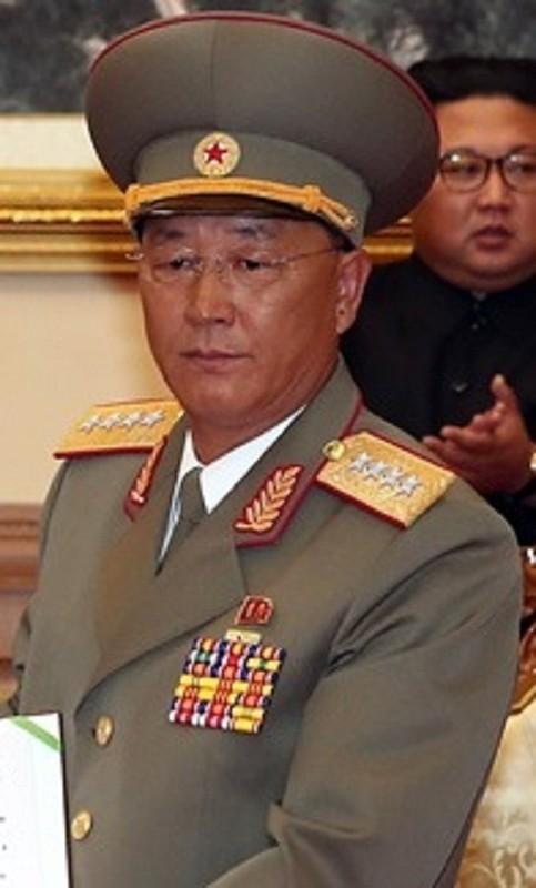 He lo doan quan chuc thap tung ong Kim Jong-un toi Viet Nam-Hinh-11
