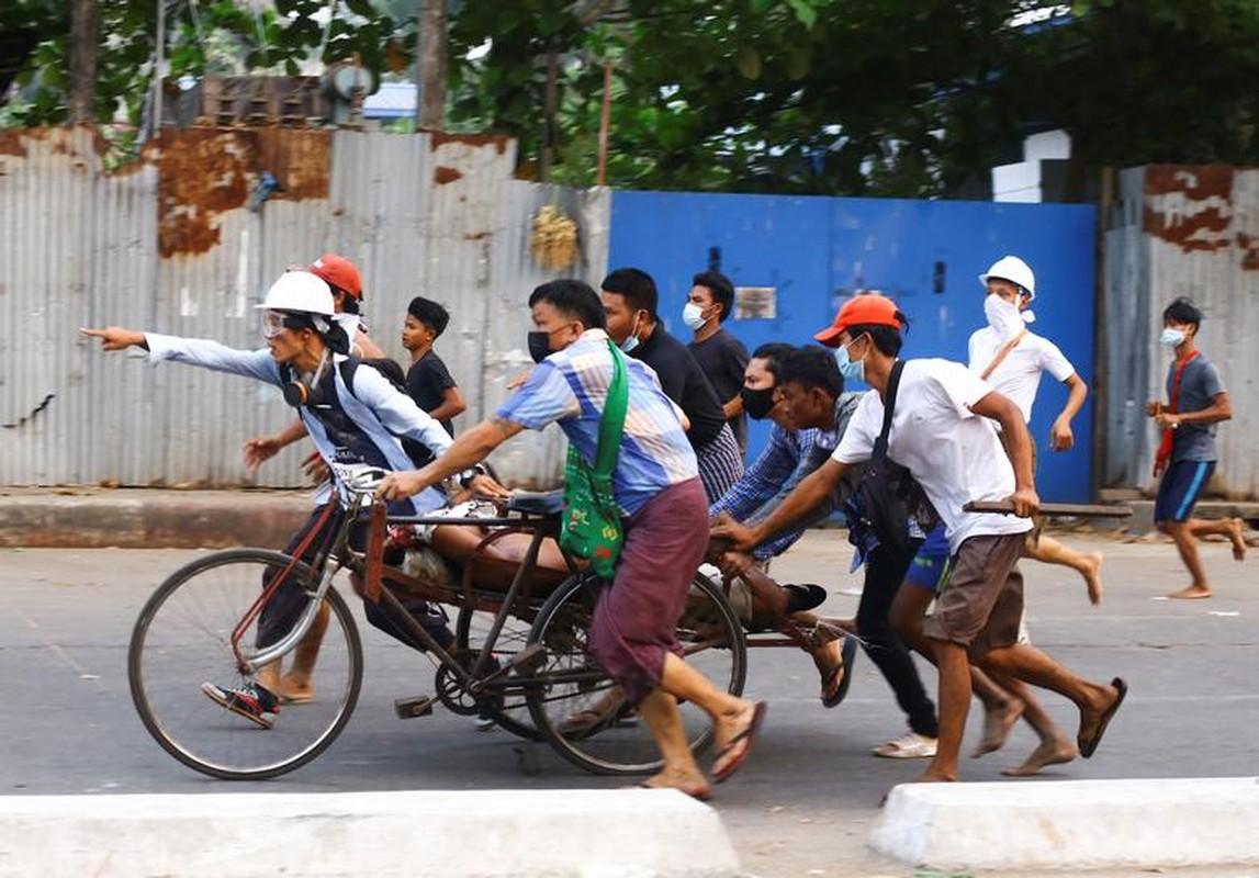 Bieu tinh o Myanmar: Vi sao ban bo thiet quan luat tai Yangon?-Hinh-12
