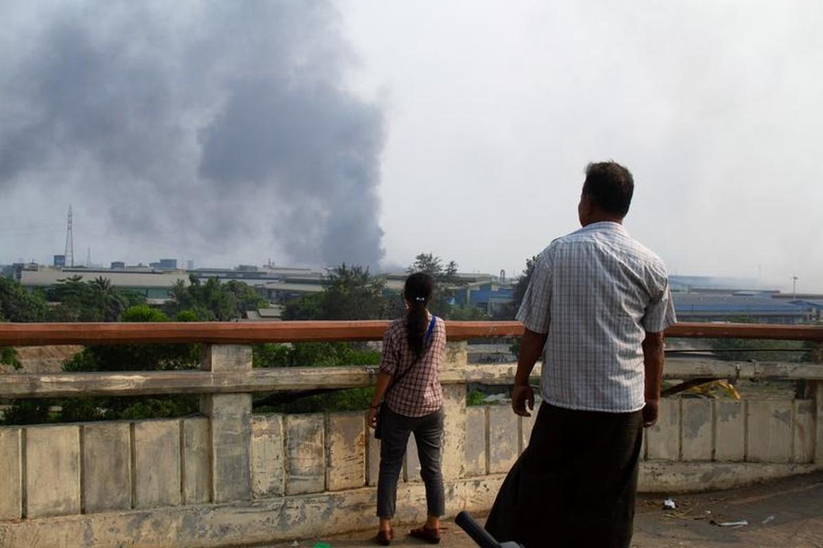 Bieu tinh o Myanmar: Vi sao ban bo thiet quan luat tai Yangon?-Hinh-6