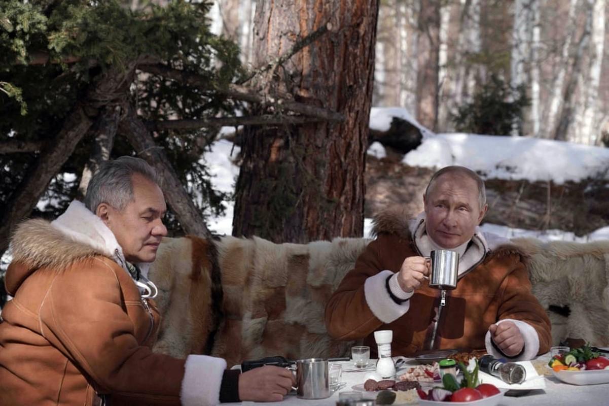 Hinh anh Tong thong Nga Putin tu lai xe dia hinh bang rung-Hinh-8