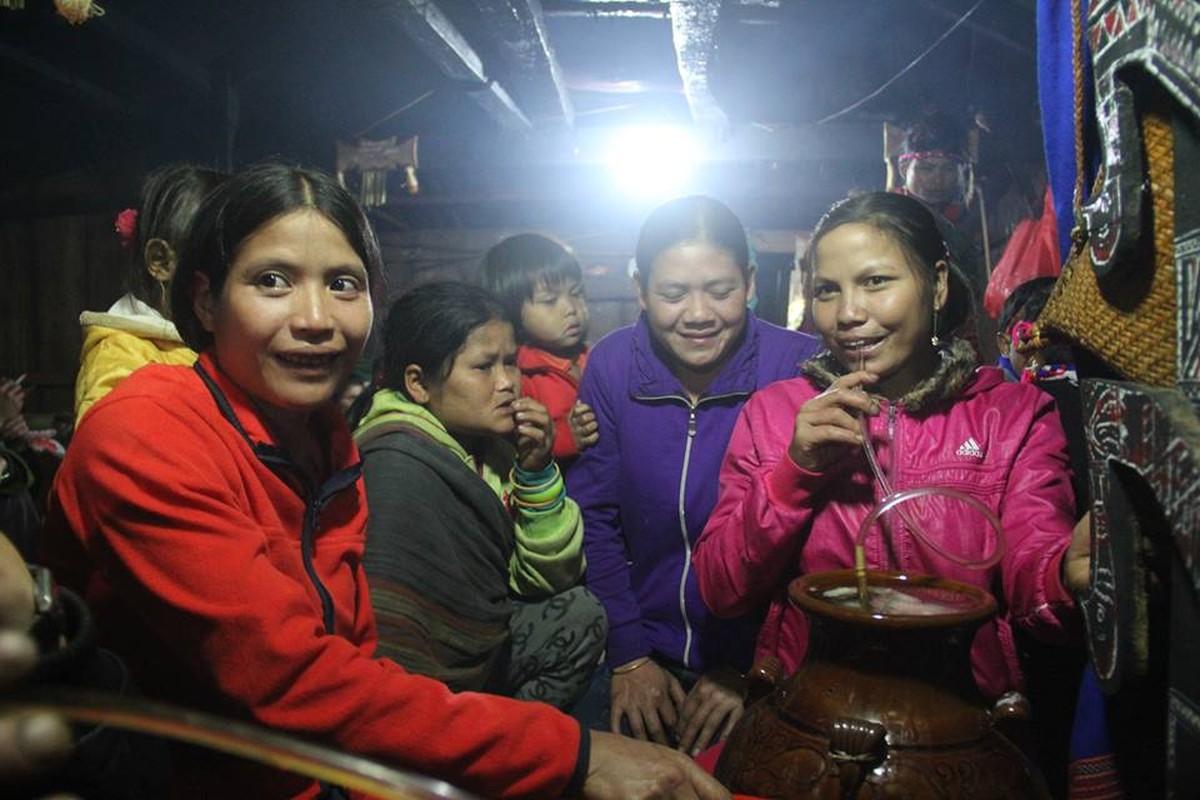 Anh: Dieu dac biet trong le dam trau o Quang Nam-Hinh-8