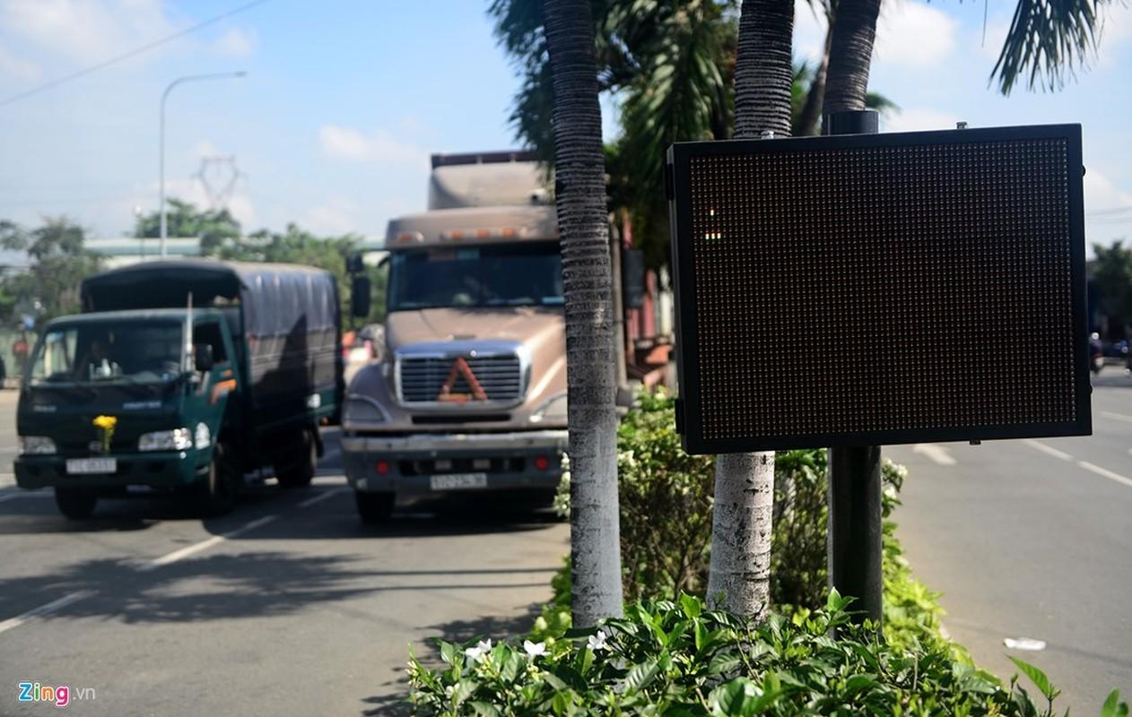 Anh: Tram can xe tu dong 25 ty lam xong bo hoang o Sai Gon-Hinh-8