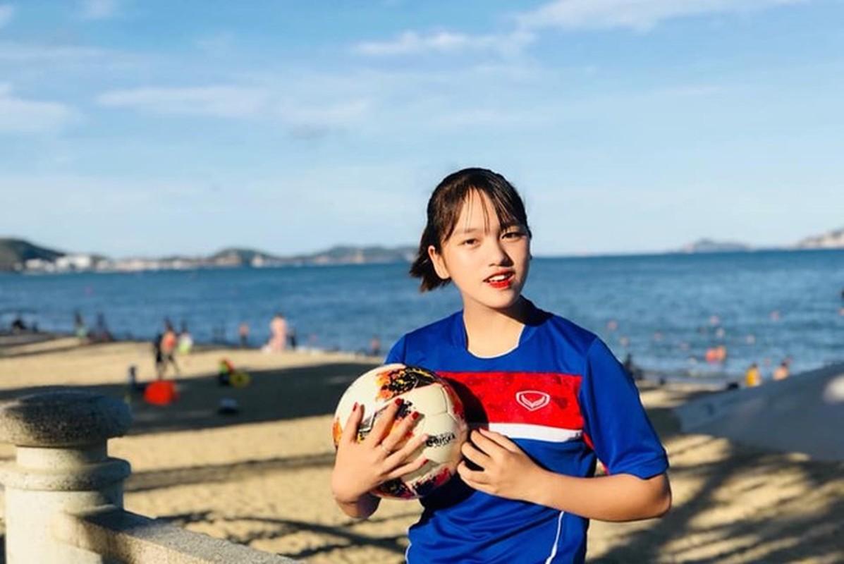 Xon xao nhan sac bong hong moi giua rung hoa cua tuyen U19 nu Viet Nam-Hinh-2