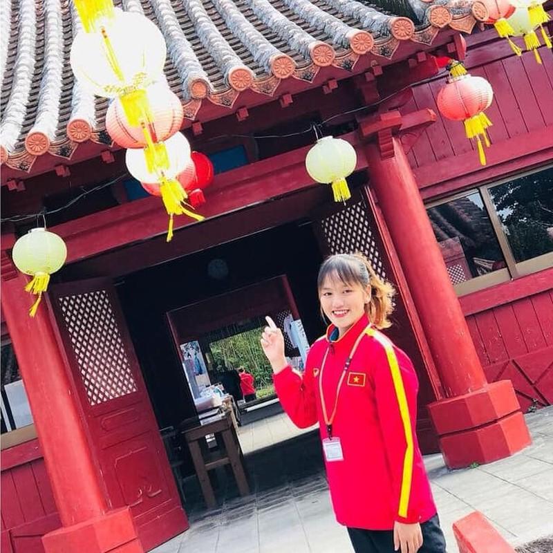 Xon xao nhan sac bong hong moi giua rung hoa cua tuyen U19 nu Viet Nam-Hinh-7