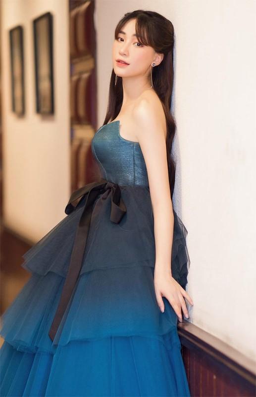 """Gioi giau con nhung Hoa Minzy nhieu lan lo dau hieu """"me bim sua""""-Hinh-3"""