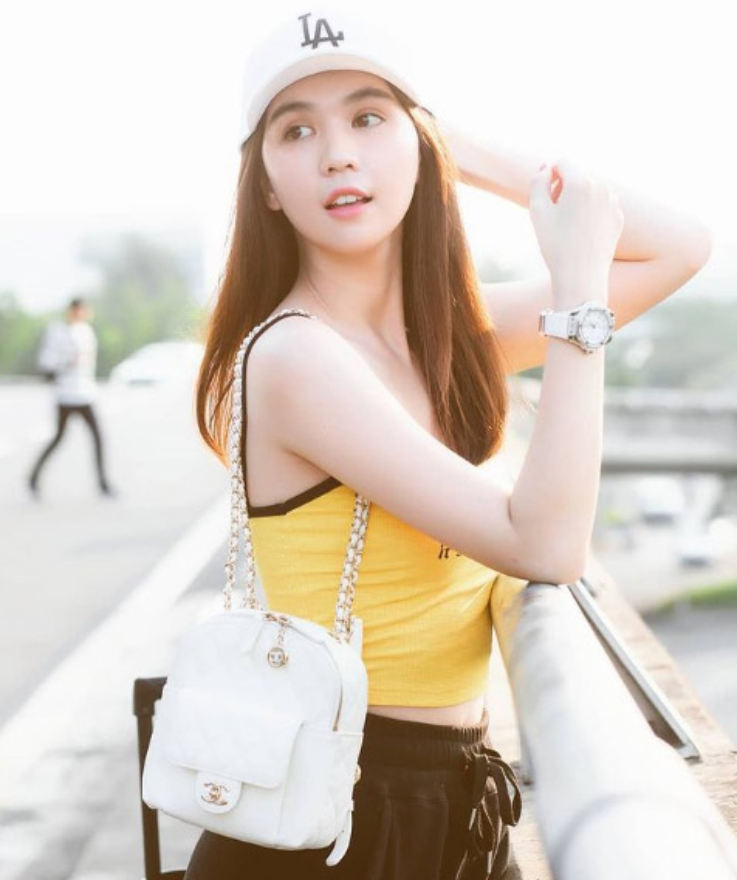 Nhung lan chot don dong ho bac ty gay choang cua Ngoc Trinh-Hinh-8