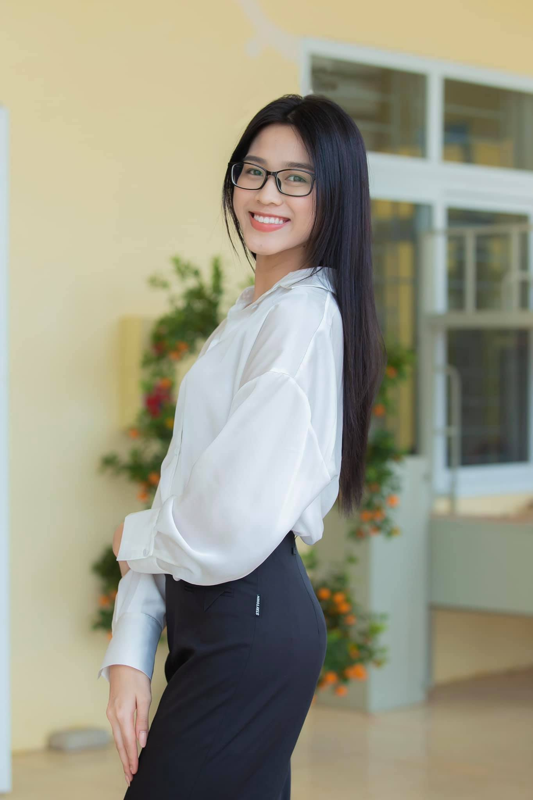 """Mac gian di, Hoa hau Do Thi Ha van xinh """"het phan thien ha""""-Hinh-10"""