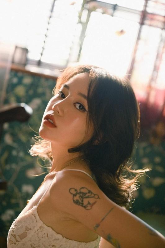 """Linh Ngoc Dam khoe kheo """"ca ro"""" hinh xam gay me nguoi nhin-Hinh-7"""