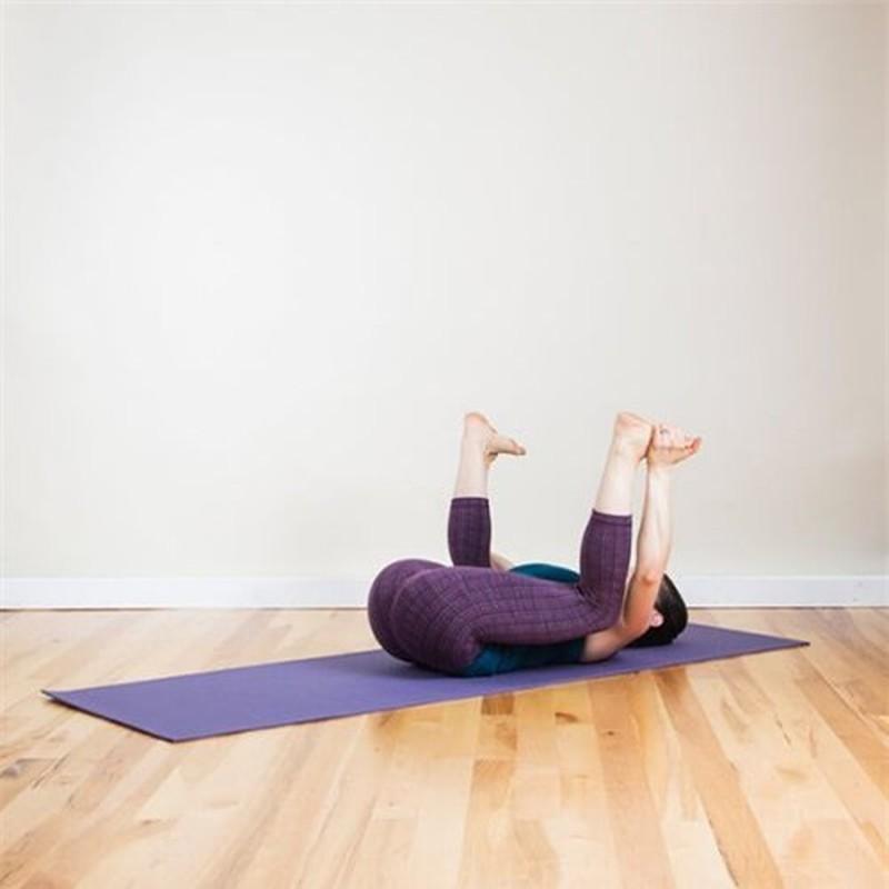 5 tu the yoga giup ban het dau dau ngay tap lu-Hinh-7