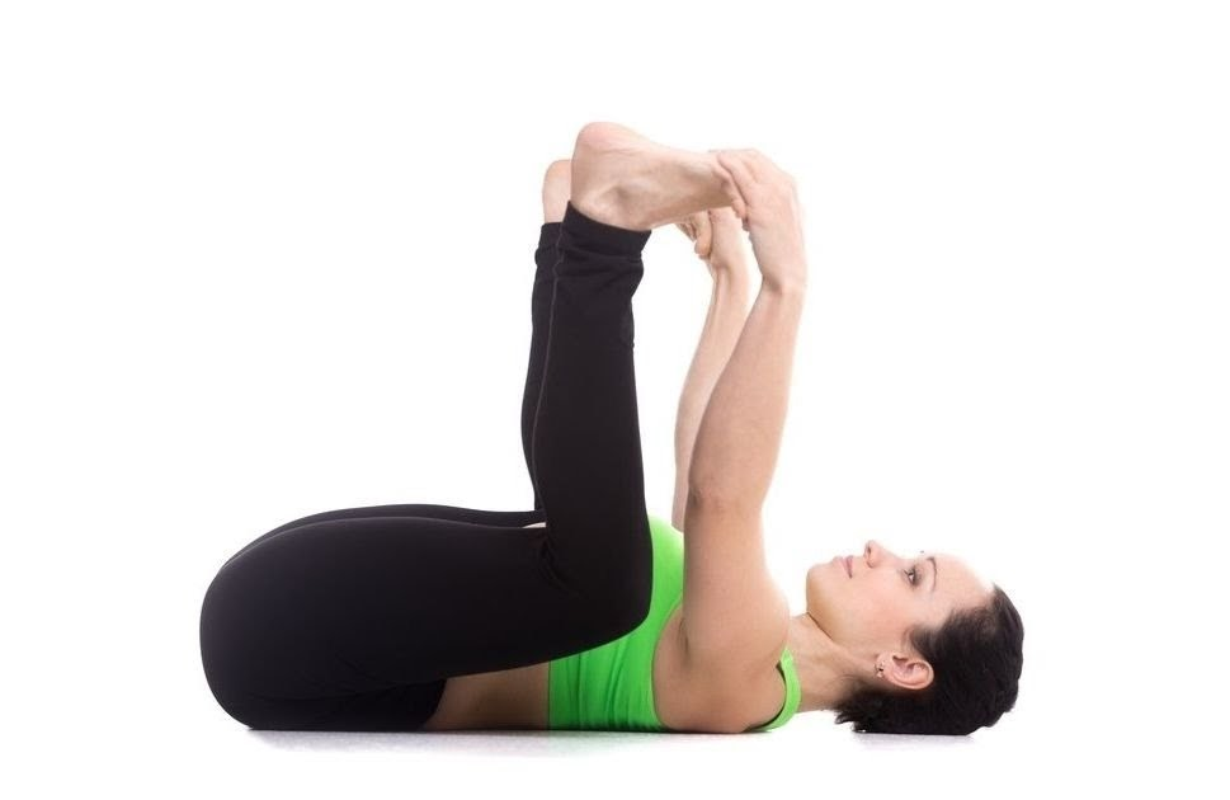 5 tu the yoga giup ban het dau dau ngay tap lu-Hinh-8