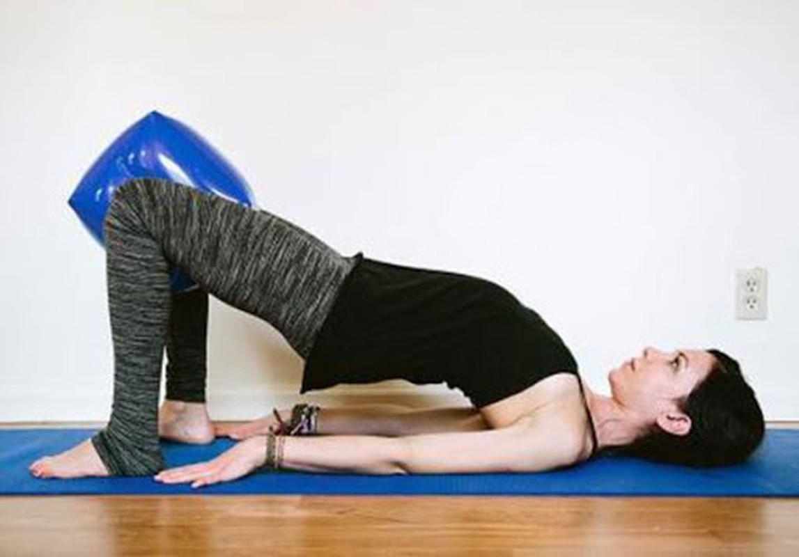 Bai tap yoga giup tang kha nang thu thai cho phu nu-Hinh-4