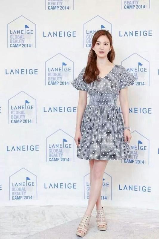 Song Hye Kyo kin dao hap dan, dung hoi Hyun Bin me man-Hinh-14
